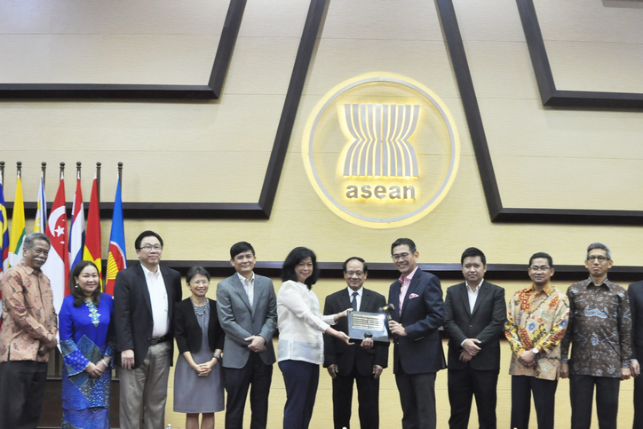 ASEAN: Philippines hands over CPR chairmanship to Singapore
